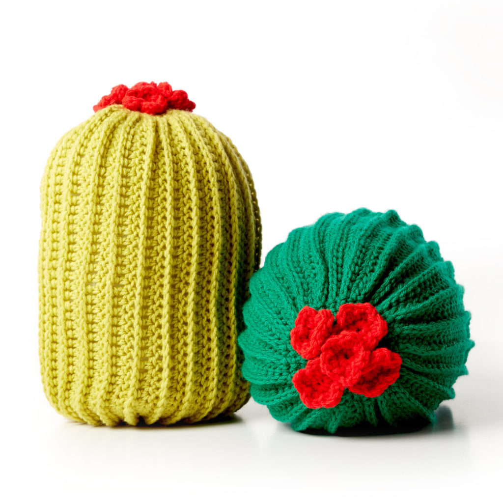 Bernat Crochet Cactus Pillow - free crochet pattern!