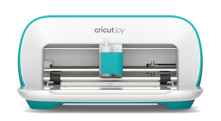 Cricut Joy - see the unboxing on Moogly!