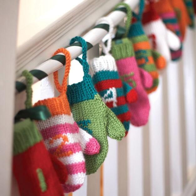 Bernat Advent Mini Mittens - free pattern!