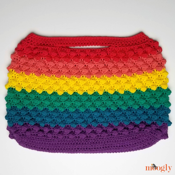 Rainbow Bobble Bag - get the free pattern on Moogly and make your own!