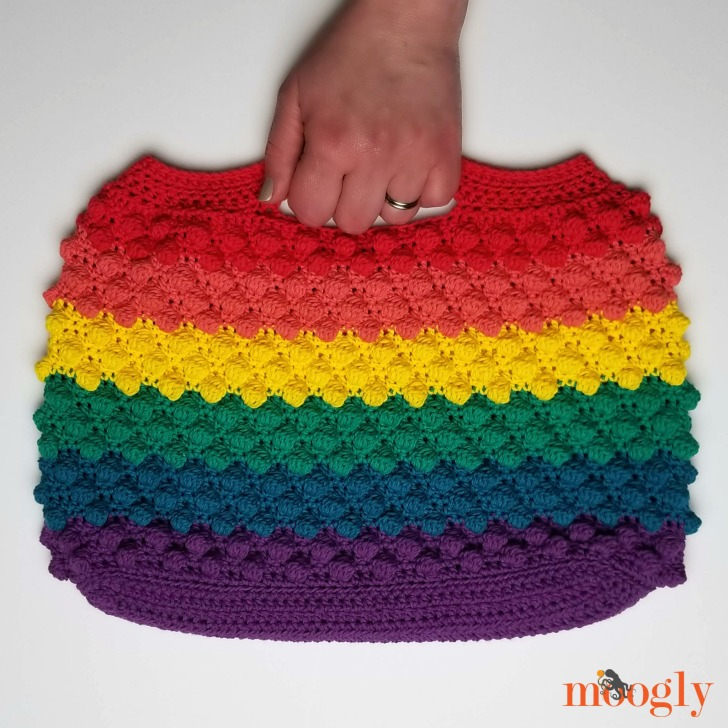 Rainbow Bobble Bag - free crochet pattern on Moogly