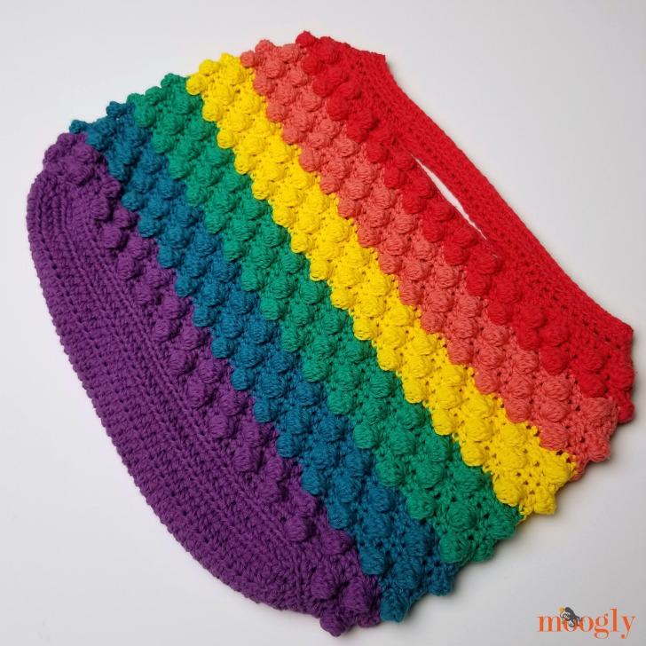 Rainbow Bobble Bag - free crochet pattern on Mooglyblog.com!