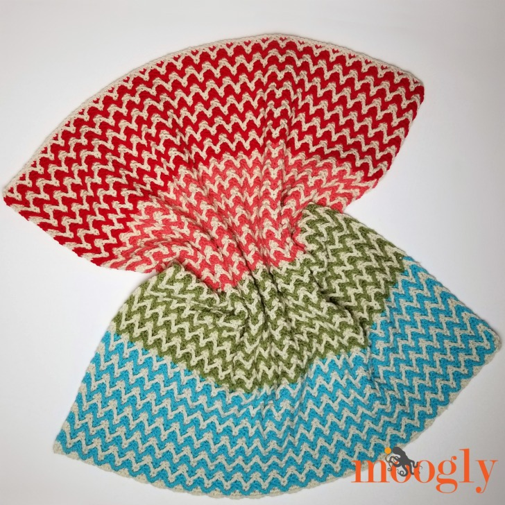 Bright Chevron Borderless Blanket - scrunched