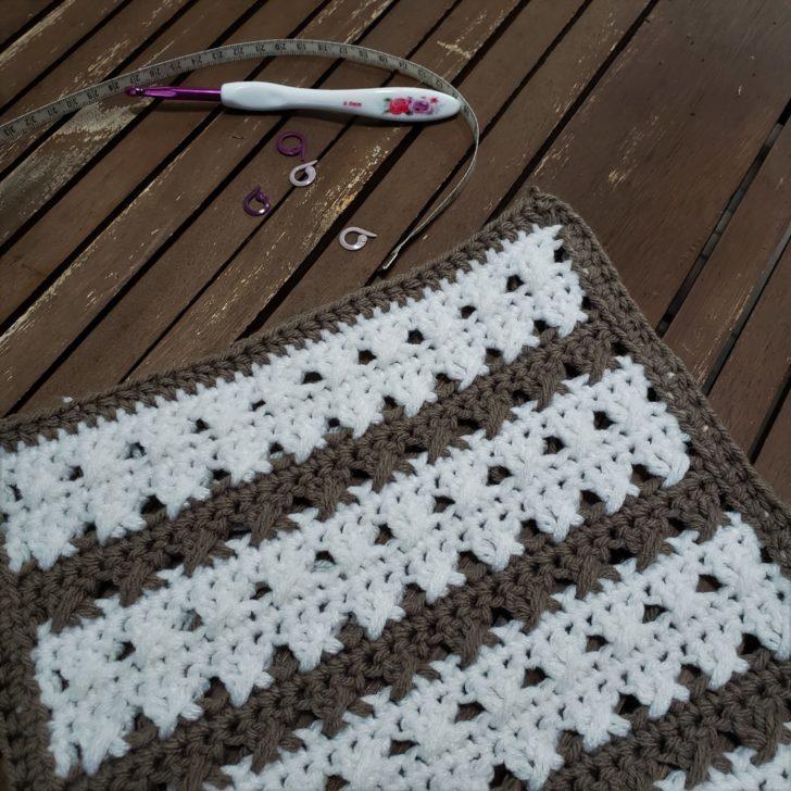 Crossed Stripes Block - ACCROchet pattern for MooglyCAL2020