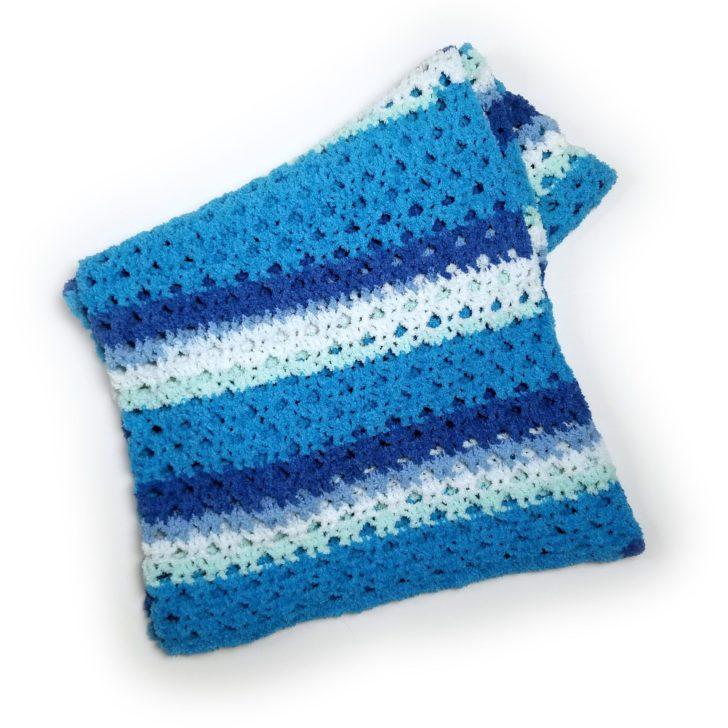 Bernat Calming Breezy Throw - free crochet pattern by Moogly!