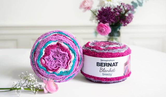 Moogly Reviews Bernat Blanket Breezy