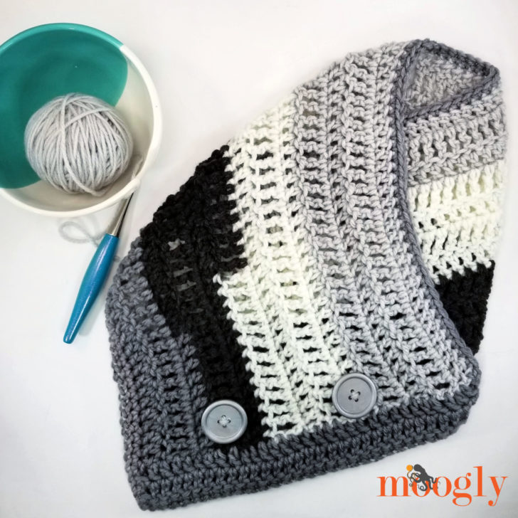 Easy One Skein Bandana Cowl Tutorial on Moogly