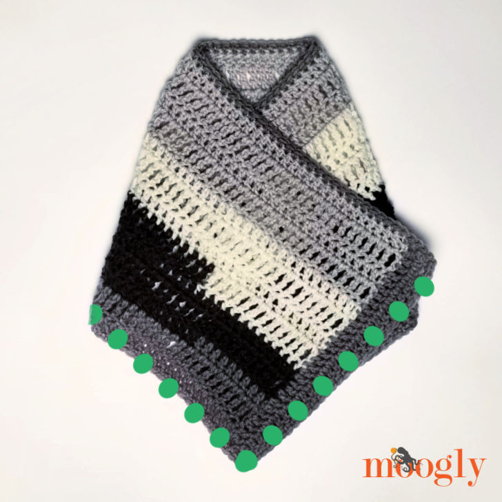 Easy One Skein Bandana Cowl - Assembly Step 4