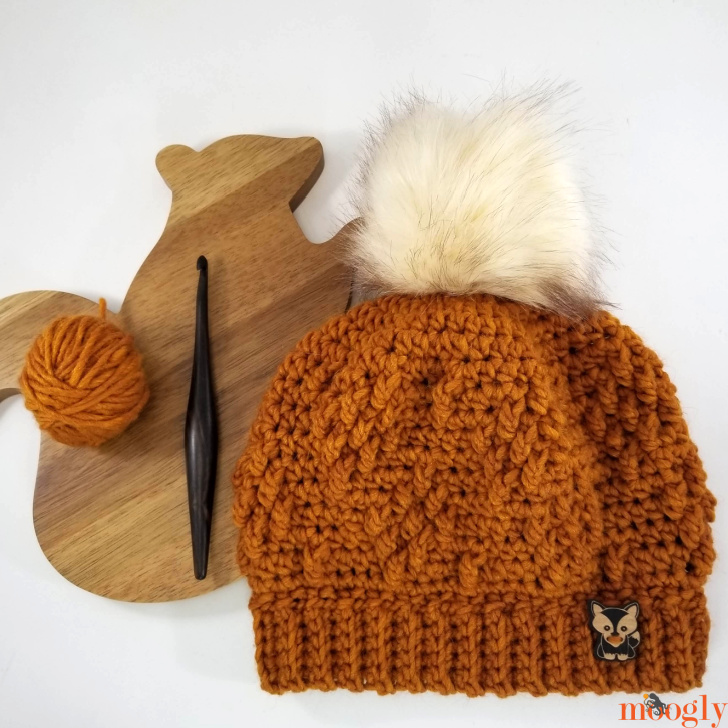 Rustic Diamond Hat with squirrel shaped cutting board, hook and small ball of yarn