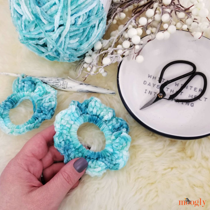 Last Minute 2 Round Scrunchies - Moogly