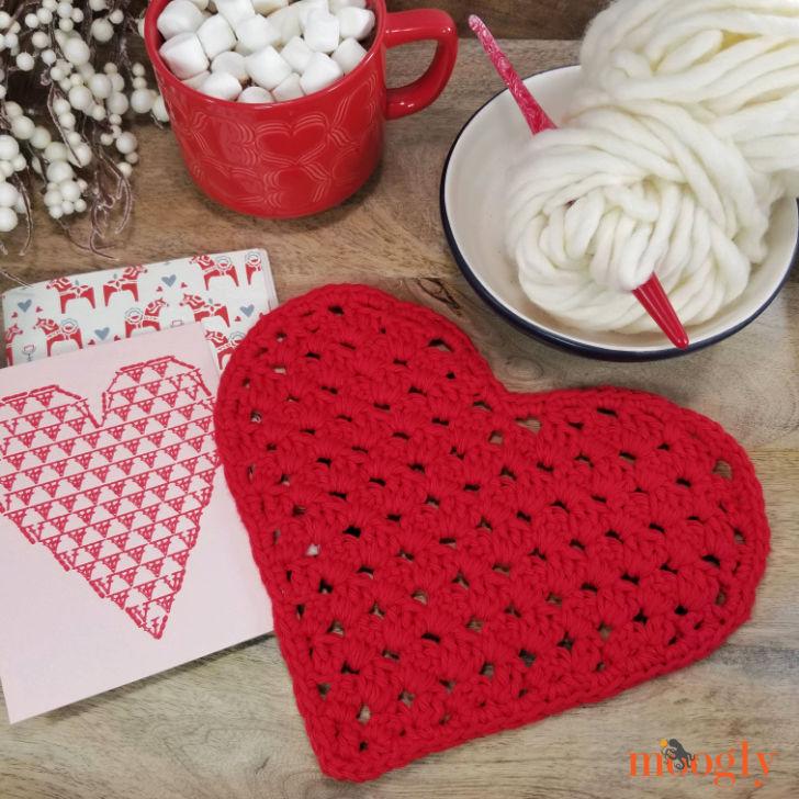 Heart Shaped Cloth - free crochet pattern by Moogly