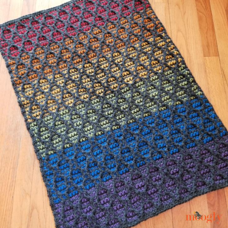 How to Crochet the Striped Hourglass Area Rug