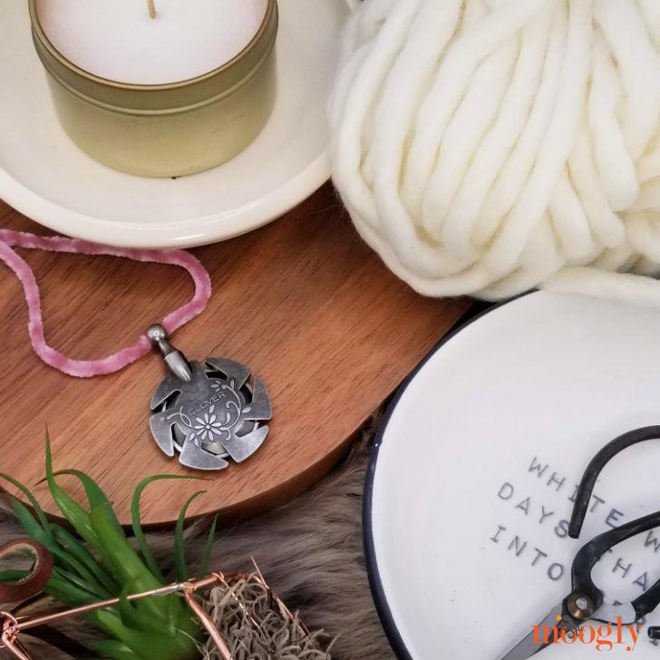 Clover Yarn Cutter Pendant - on string
