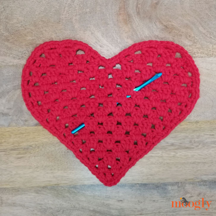Heart Shaped Cloth with Susan Bates Hook