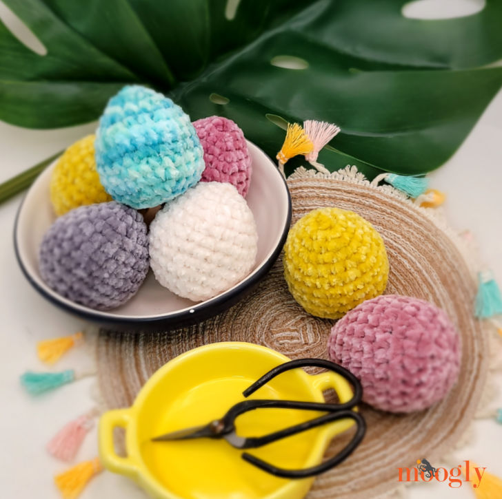Velvet Eggs - image of eggs on a mat and in a bowl, with scissors