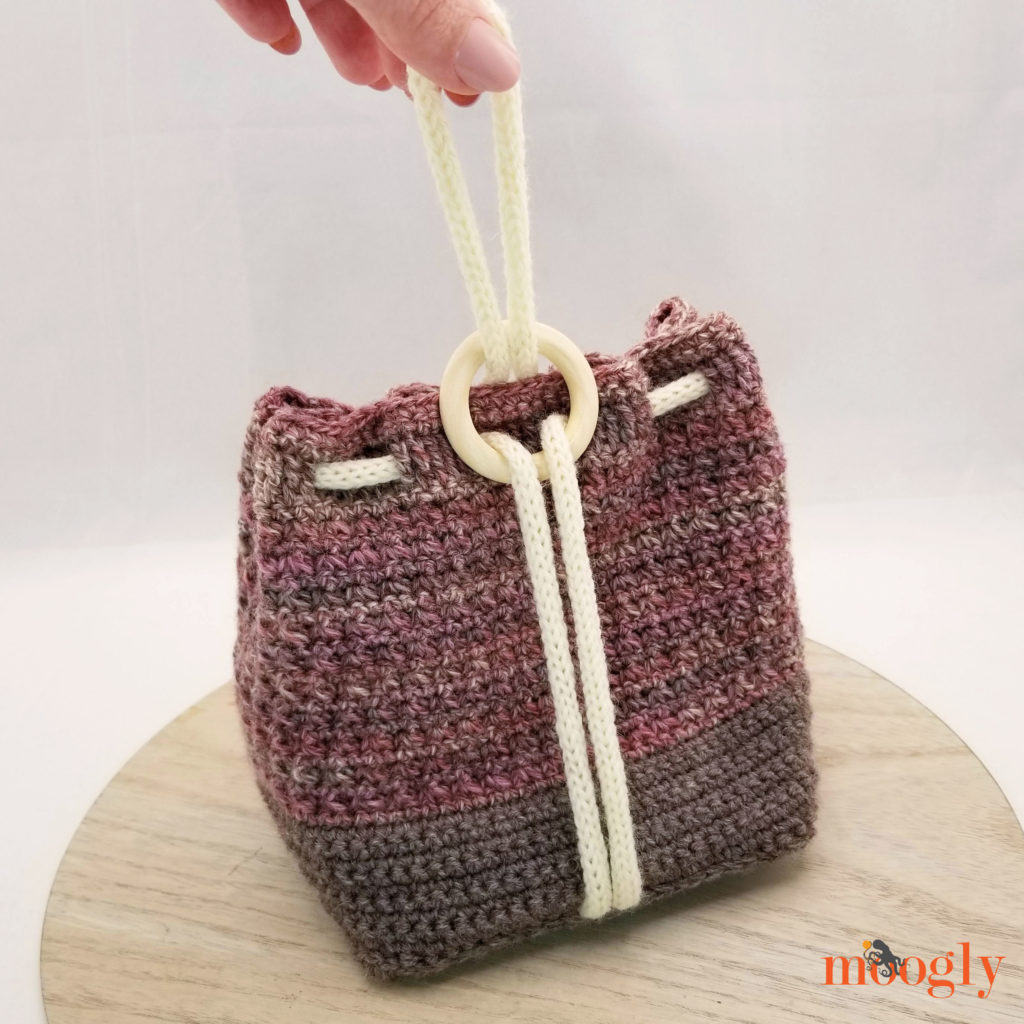 Ring Rose Bag - Free Crochet Pattern on Moogly