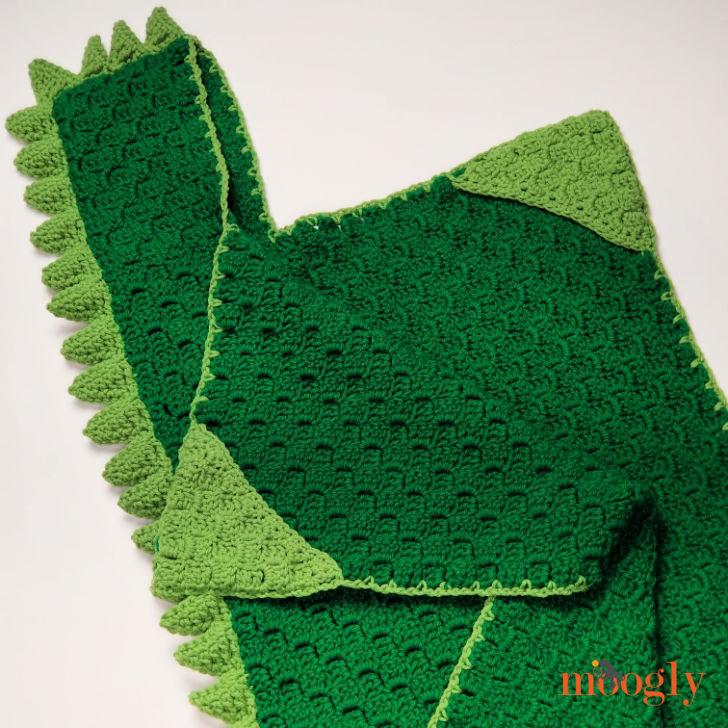 Cuddle Up Dinosaur Blanket - flat 2
