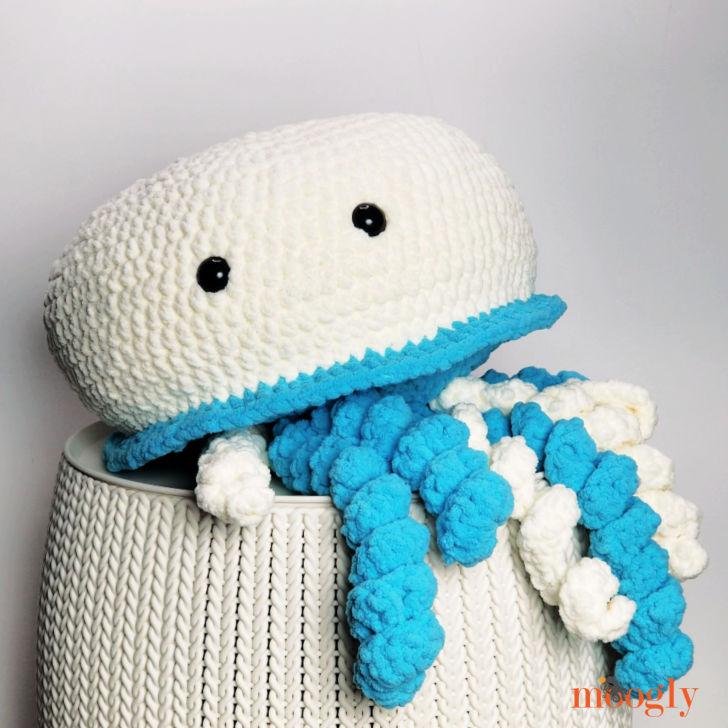 Jellyfish Squish - free crochet pattern on Moogly
