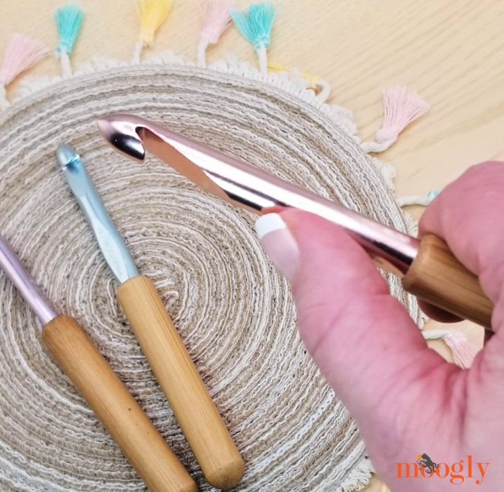Susan Bates Bamboo Handle Crochet Hooks Giveaway on Moogly